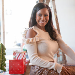 vanessa freeman, vanessa freeman tv, vanessa freeman news, vanessa freeman blogger, nessasary style, h and m, macys, how to wear sequins, how to wear a cold shoulder sweater, vanessa freeman style blogger